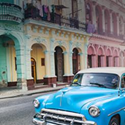 Auto clásico en La Habana, Cuba
