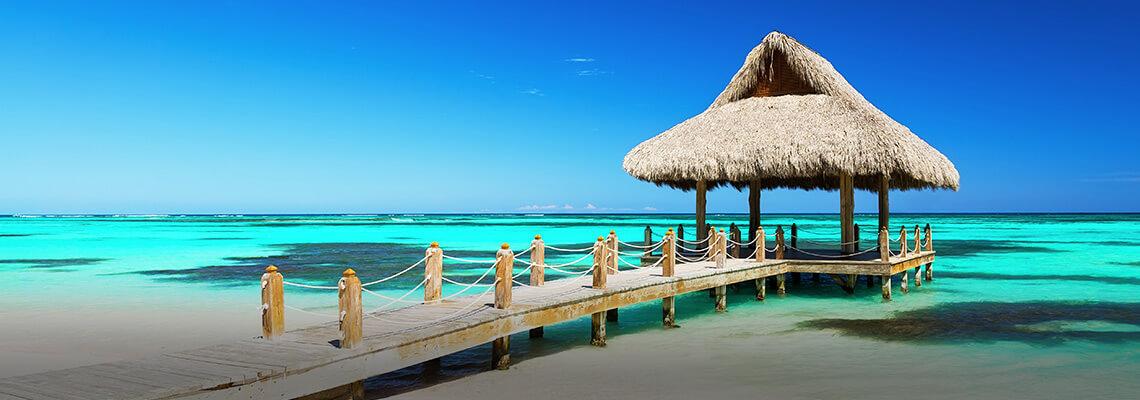Playa y cabaña de playa en Punta Cana, República Dominicana