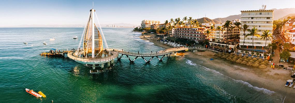 Muelle de Los Muertos en Puerto Vallarta, México