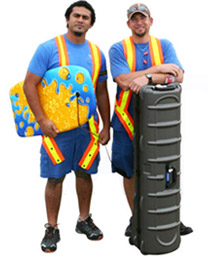 image of two Southwest Airlines baggage handlers