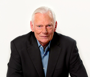Herb Kelleher in November 2013 while addressing Employees with Gary Kelly. In the spirited conversation, the two Leaders went on to discuss their memories of the Company and vision for the future.